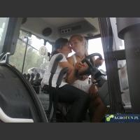 Dziewczyny w ciągniku